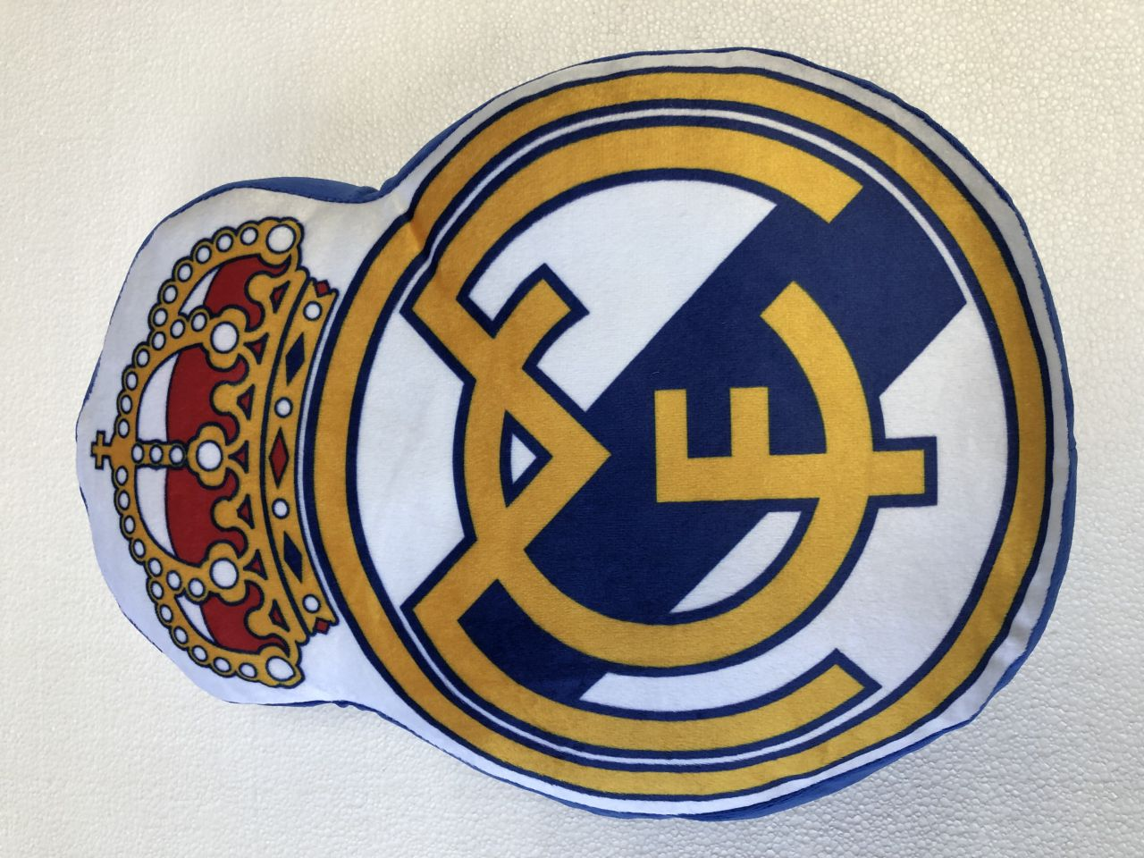 Cojín Escudo Real Madrid